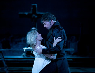 Opera Australia artists perform in Don Giovanni