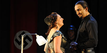 Amanda Echalaz as Tosca and Claudio Sgura as Scarpia.