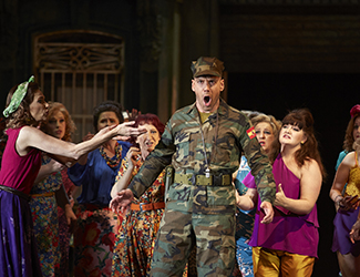Adrian Tamburini (Zuniga) and the Opera Australia Chorus in Carmen.