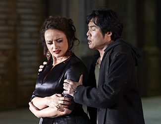Clémentine Margaine (Carmen) and Yonghoon Lee (Don José)  in Opera Australia's production of Carmen.