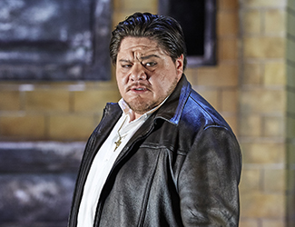 Diego Torre as Turridu in Cavalleria Rusticana. Photo by Keith Saunders