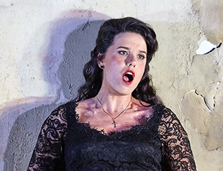 Sian Pendry as Lola in Cavalleria Rusticana. Photo by Keith Saunders