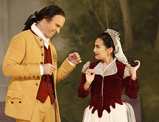 Simon Meadows as Count Almaviva and Jenny Liu as Susanna in Opera Australia's 2017 Regional Tour production of The Marriage of Figaro.