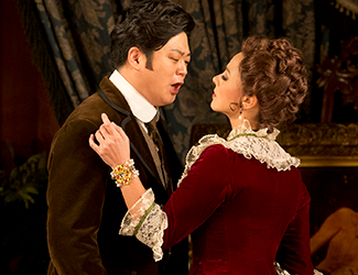Corinne Winters and Yosep Kang in La Traviata