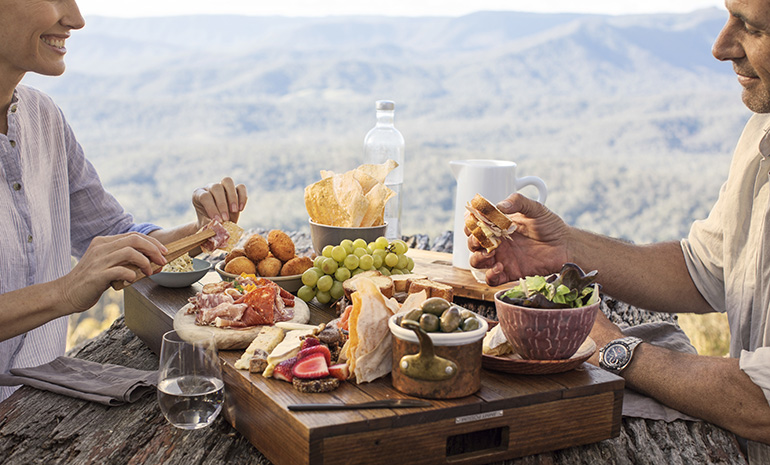 Picnic at Spicers Peak Lodge